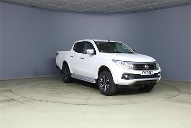 FIAT FULLBACK DIESEL 2.4 180hp LX Double Cab Pick Up Diesel - WHITE - FH17SBY - 4 Door Pick Up Body